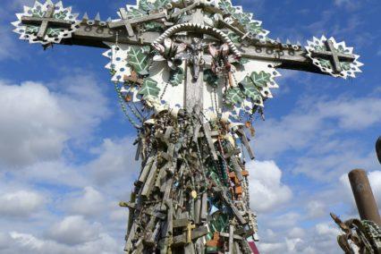 baltische-staten-litouwen-hill-of-crosses-tiara-tours