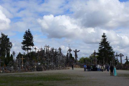 baltische-staten-litouwen-hill-of-crosses-heuvel-tiara-tours