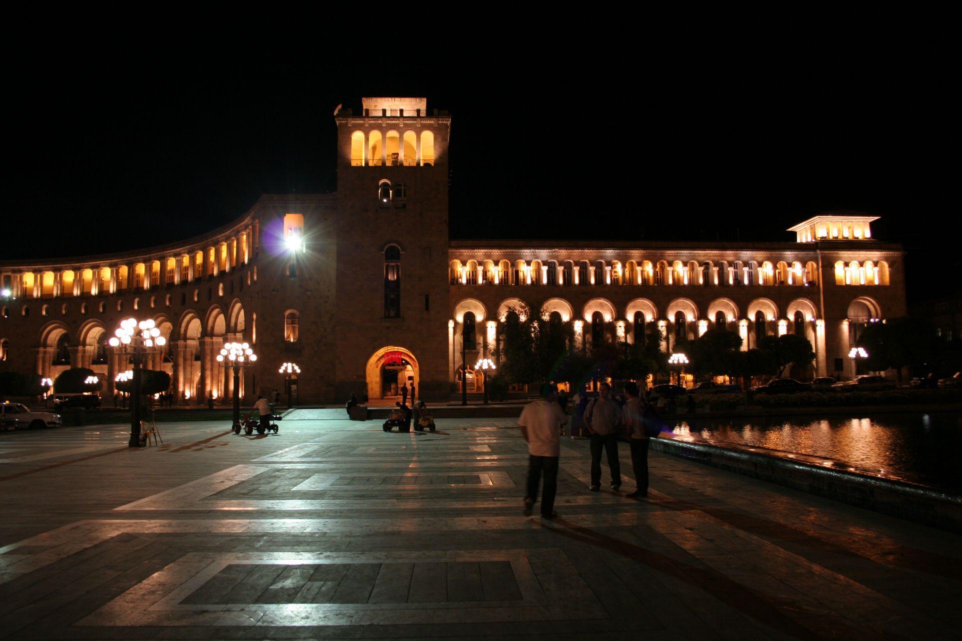 gratis dating site in Azerbeidzjan Lux pijn dating
