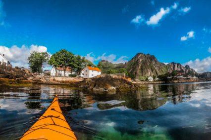 Svolvaer Kayaking Tiara Tours