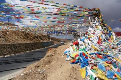 tibet-weg-gebedsvlaggen